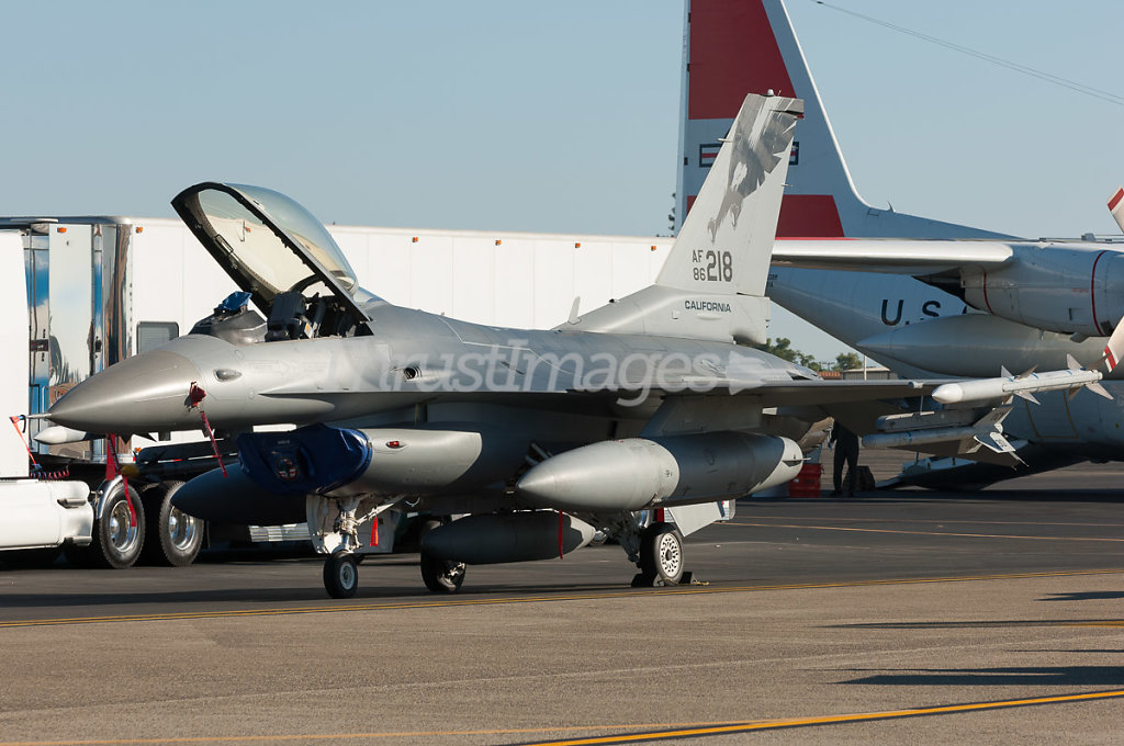 General Dynamics F-16C Fighting Falcon (401) 86-0218 (cn 5C-324)